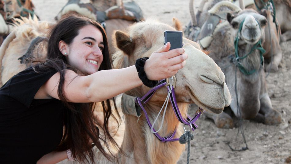 Selfie-with-Camel